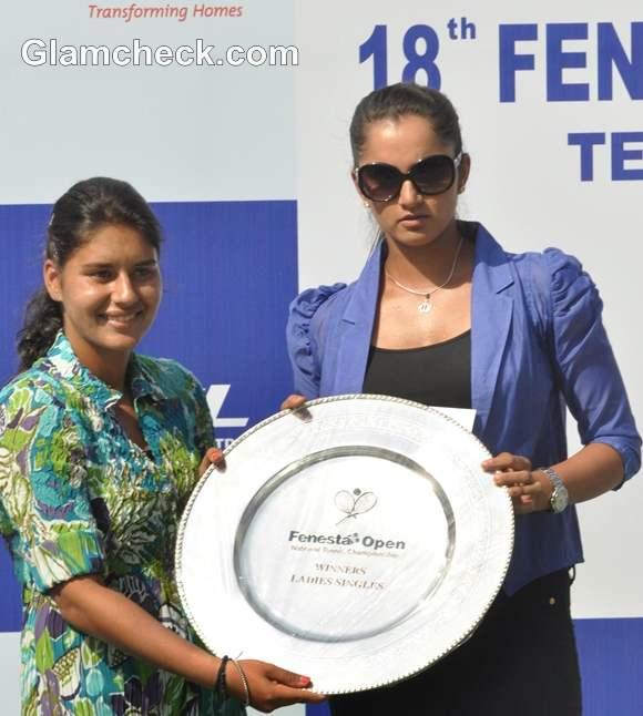Sania Mirza winners trophy Prerna Bhambri