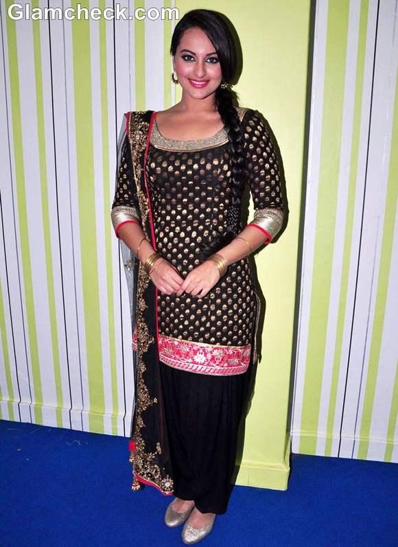 Sonakshi Sinha black salwar kameez traditional look son of sardar promotion big boss 6
