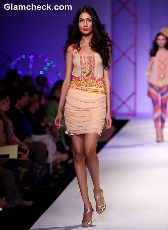 Surily Goel Collection S-S 2013 wifw-5