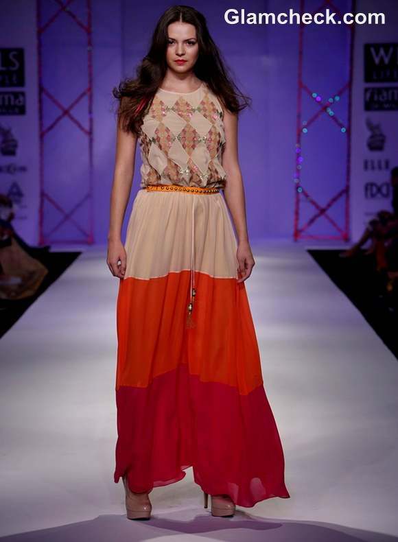 Surily Goel Collection S-S 2013 wifw-6