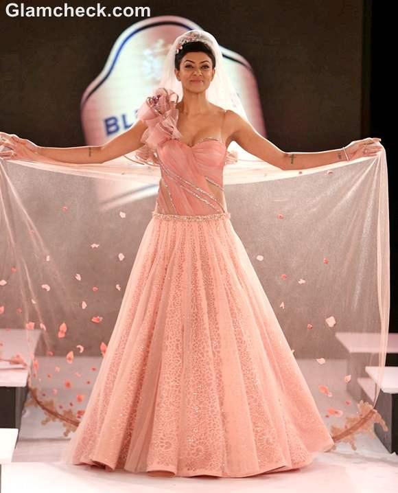 Sushmita Sen Designer Mandira Wirk Blenders Pride Fashion Tour 2012 Mumbai