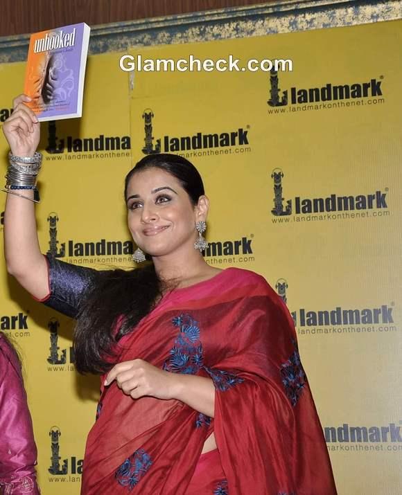 Vidya Balan Endorses Novel Unhooked at Landmark Bookstore