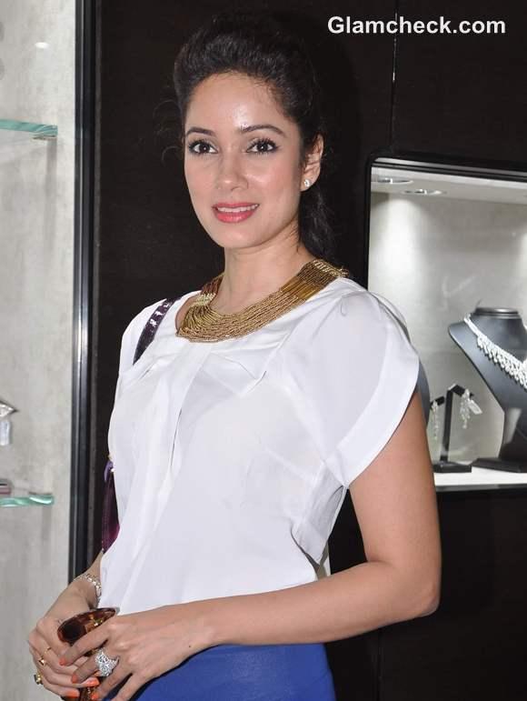 Vidya Malvade Fishteria launch Mumbai