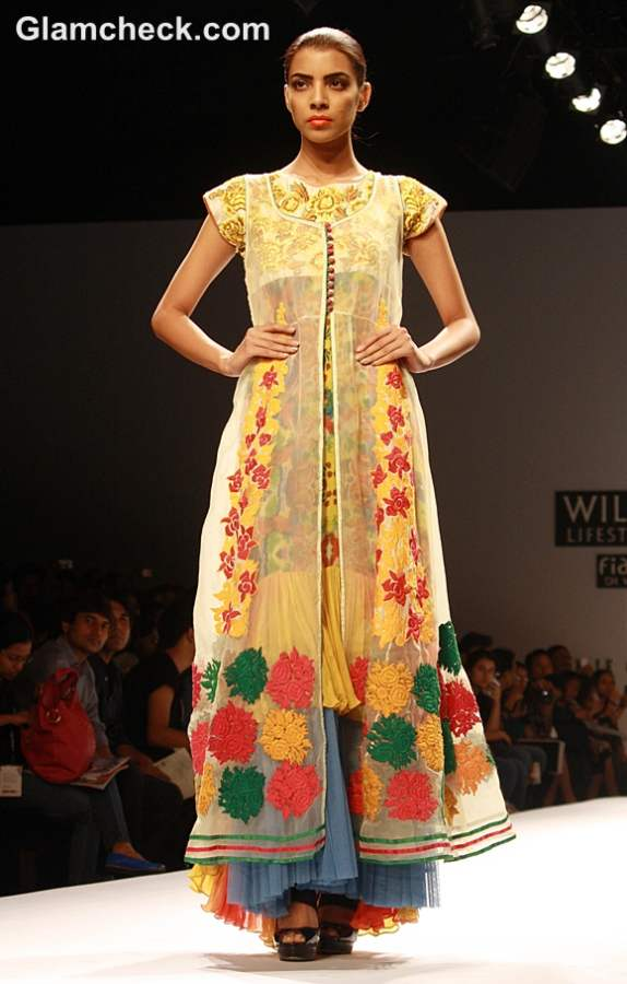 WIFW S-S 2013 Preeti Jhawar Olya collection day 4
