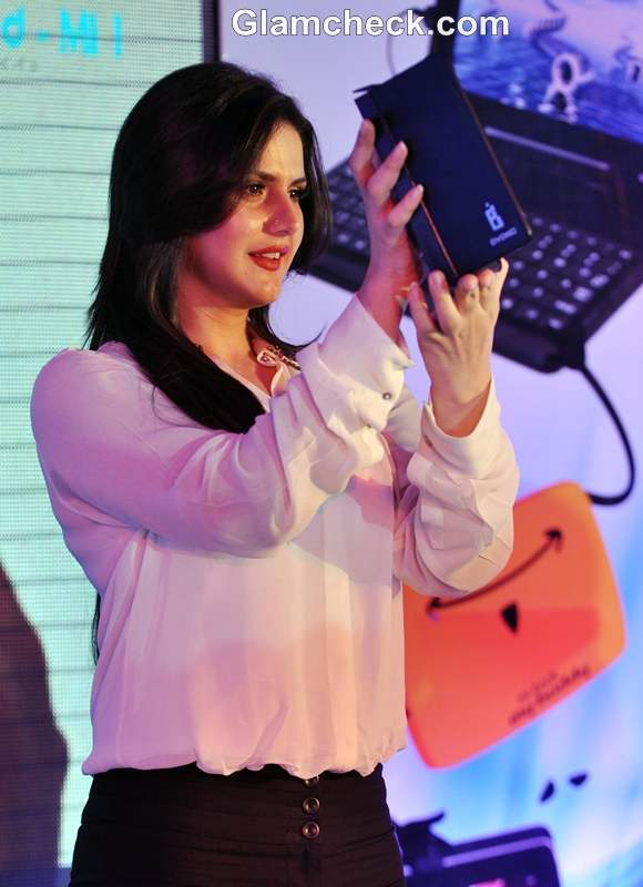 Zarine Khan Launches MI Book Tablet PC by Byond