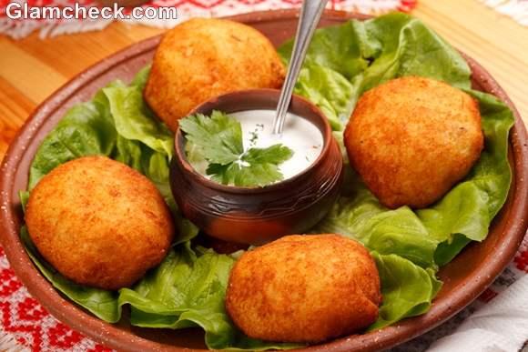 aloo vada Indian Snacks Diwali