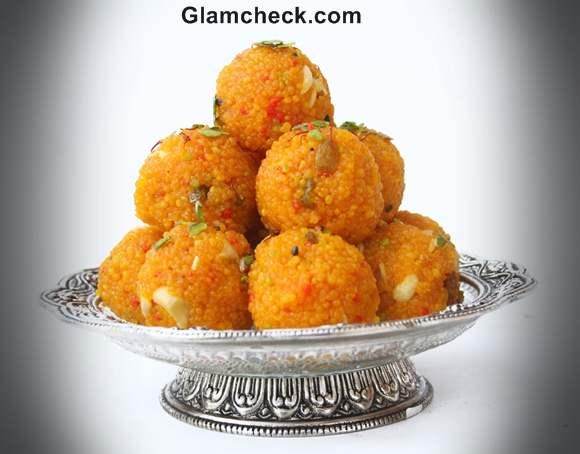 motichur laddoo served in silver bowl diwali