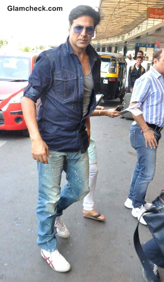 Airport Style-Akshay Kumar