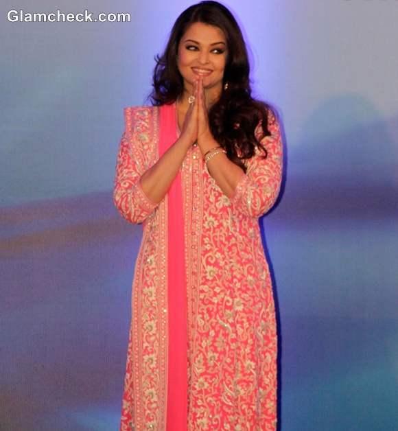 Aishwarya Rai bachchan in pink anarkali dress