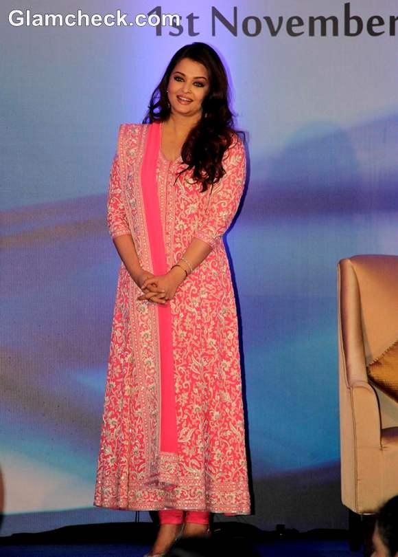 Aishwarya Rai bachchan pink anarkali dress