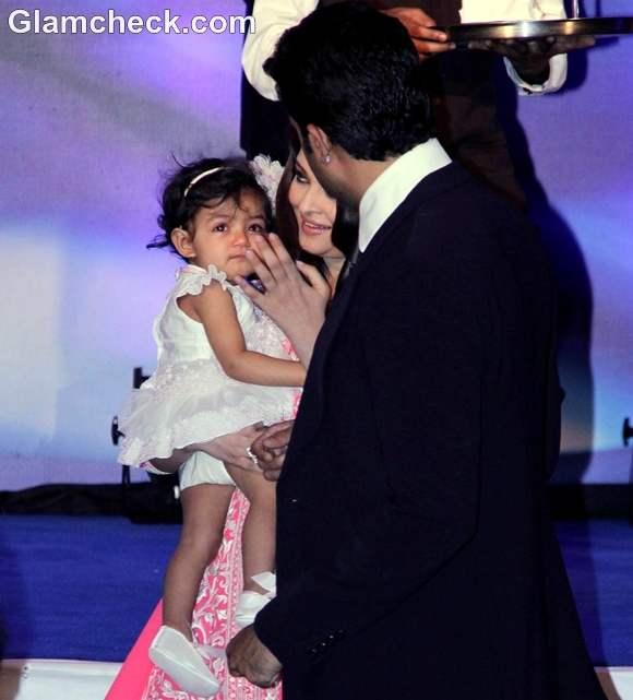 Aishwarya Rai daughter aaradhya bachchan pictures