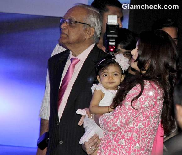 Aishwarya Rai with daughter aaradhya bachchan pictures