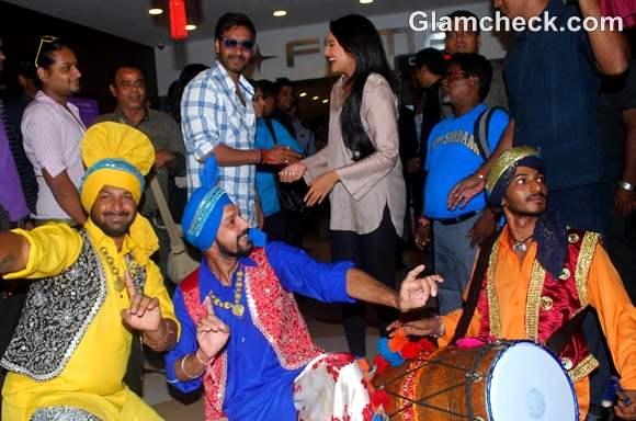 Ajay Devgan Sonakshi Sinha Son of Sardar promotions