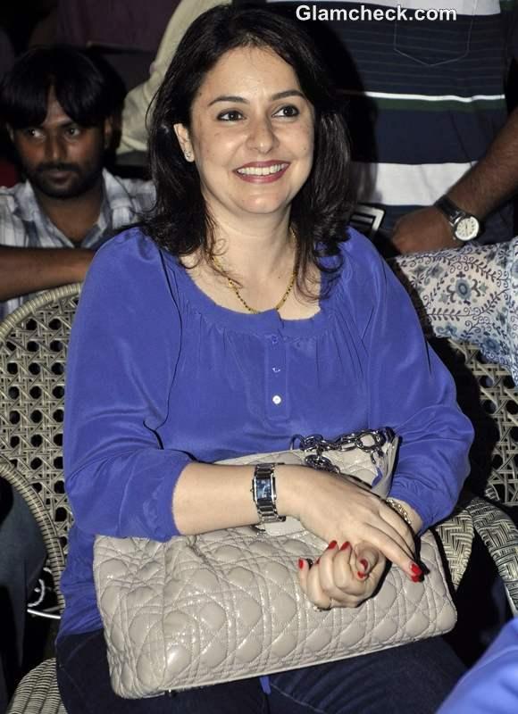Anjali Tendulkar at inauguration of SMAASH entertainment centre Phoenix Mill in Mumbai