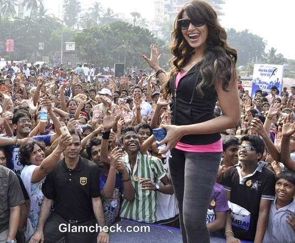 Bipasha Basu Promotes NDTVs Walk for Fitness Mumbai