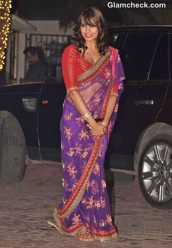 Bipasha Basu at amitabh Bachchan Diwali Bash