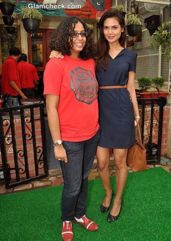 Esha Gupta with owner Kanika Mohan Saxena of Bong Bong at Bengali restaurant Mumbai