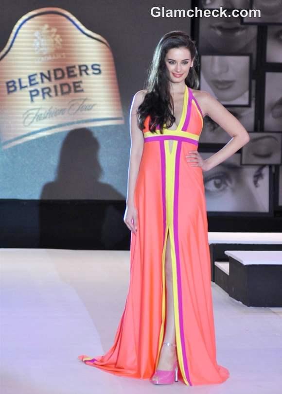 Evelyn Sharma Wendell Rodricks at Blenders Pride Fashion Tour 2012