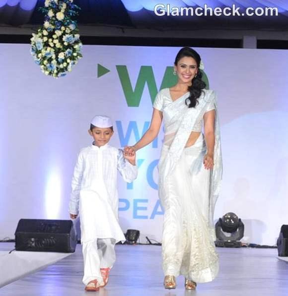 Hrishitaa Bhatt walk the ramp Walk For Peace fashion show by Neeta Lulla