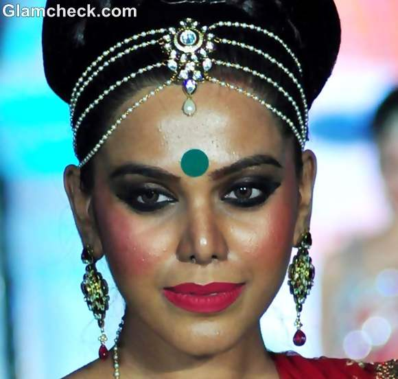 Indian bridal makeup trend 2012 pink green