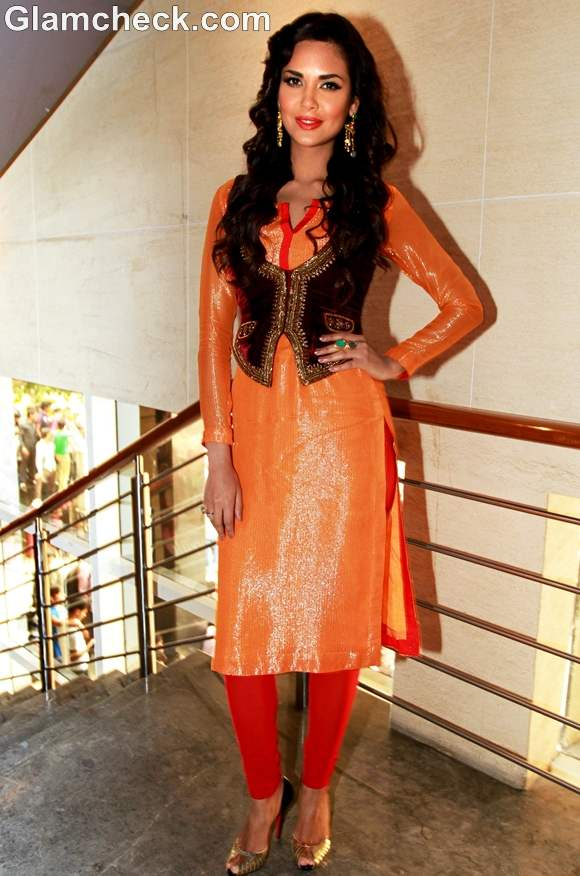 Indian embroidered waistcoats for ethnic look bollywood style Esha Gupta