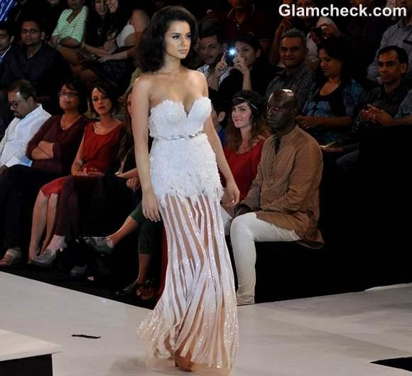 Kangana Ranaut for Gavin Miguel at Blenders Pride Fashion Tour 2012 Mumbai