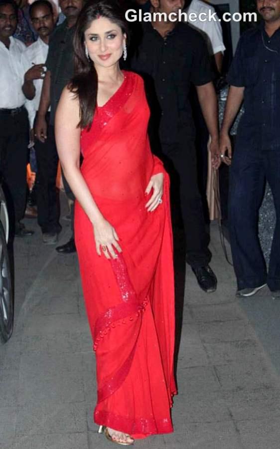 Kareena Kapoor Khan Hot in Manish Malhotra Sari