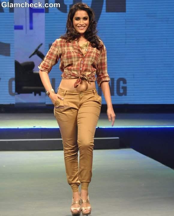 Live Fashionably show taj mumbai