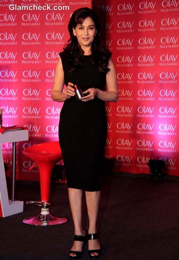 Madhuri Dixit Gorgeous in Black at Olay Regenerist Press Meet