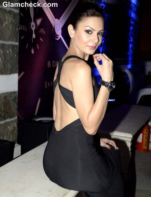 Minissha Lamba Backless Gown at Panerai Watch Launch