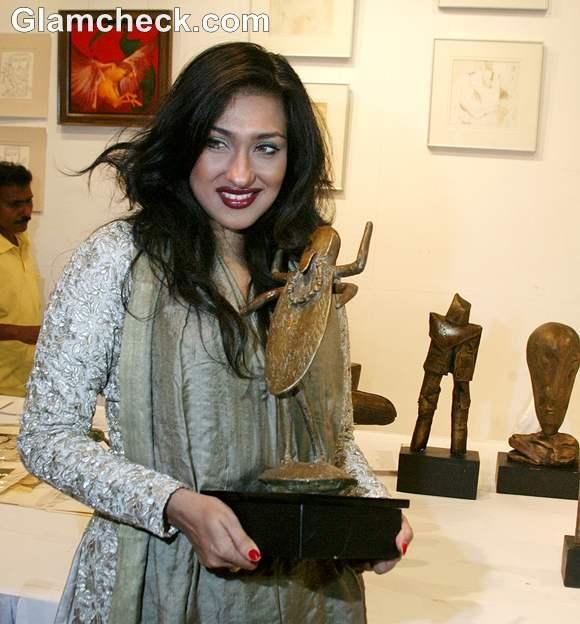 Rituparna Sen Gupta Inaugurates National Art Fair 2012-3