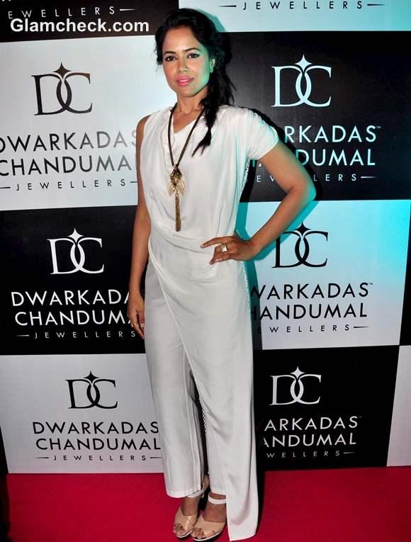 Sameera Reddy Dwarkadas Chandumal Jewellery Store Mumbai