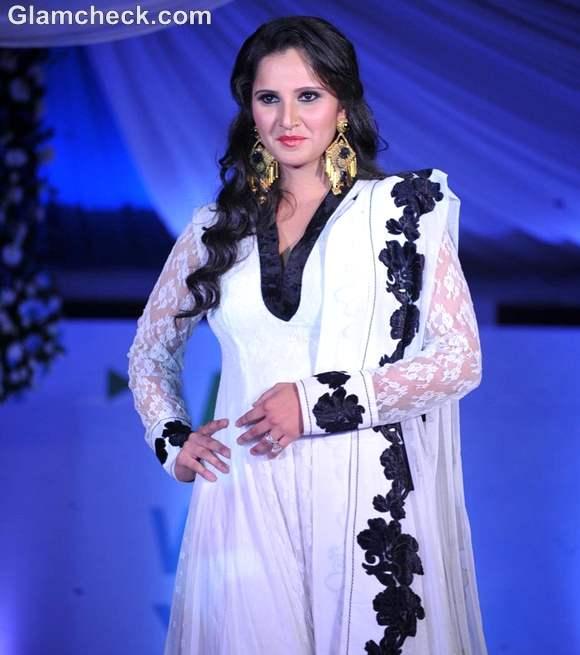 Sania Mirza Walk For Peace fashion show Neeta Lulla