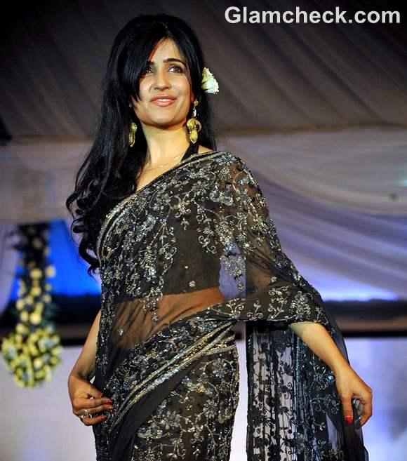 Shibani Kashyap Walk For Peace fashion show by Neeta Lulla