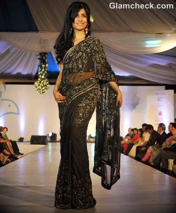 Shibani Kashyap walk the ramp Walk For Peace fashion show by Neeta Lulla