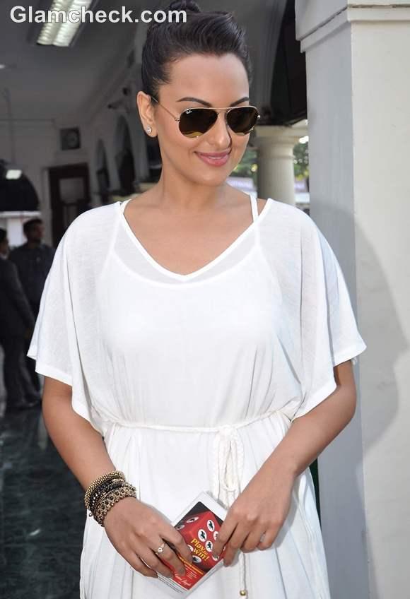 Sonakshi Sinha 2012 hairstyle