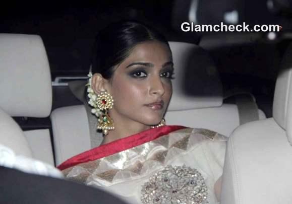 Sonam Kapoor at amitabh Bachchan Diwali Bash