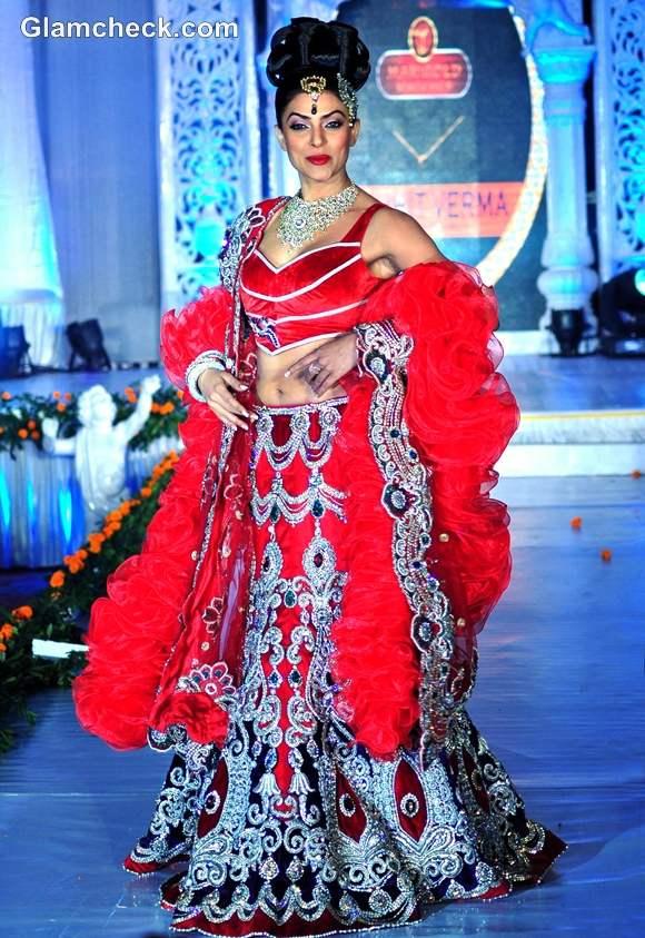 Sushmita Sen for Rohit Verma at the Fashion Extravaganza IGNITE