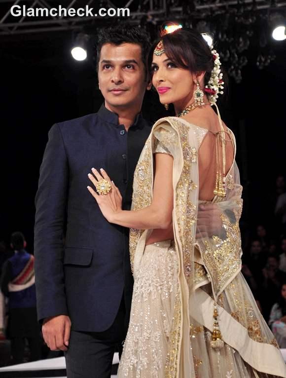Vikram Phadnis  show malaika arora blenders pride 2012 mumbai