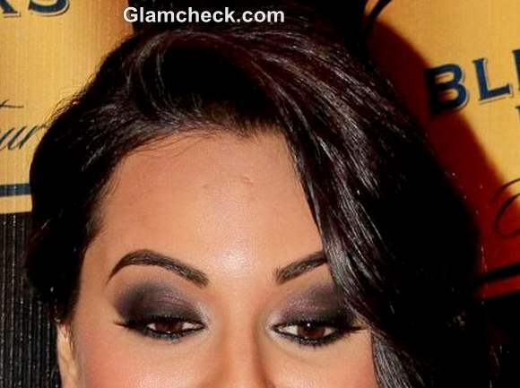 smokey eyes makeup sonakshi sinha
