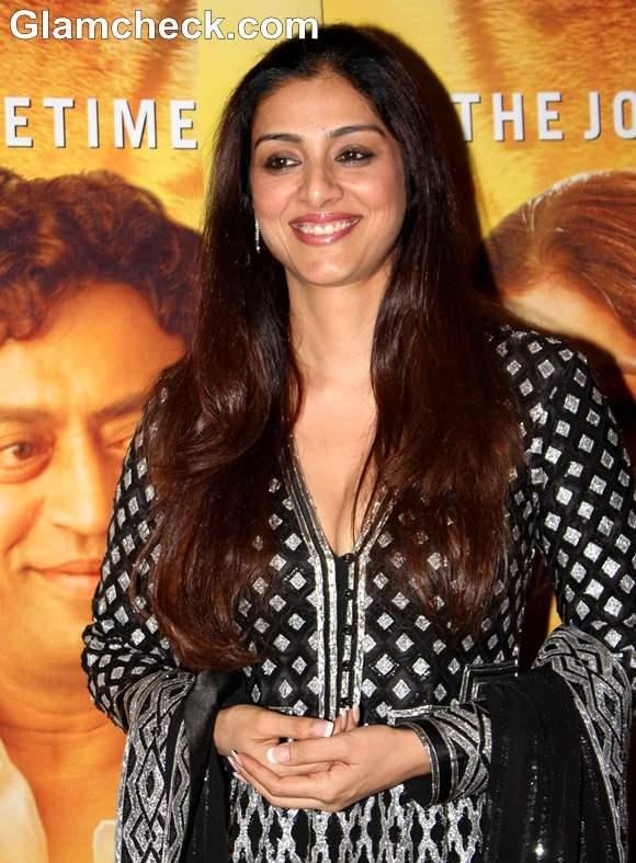 tabu at Premiere of Life of Pi in Mumbai