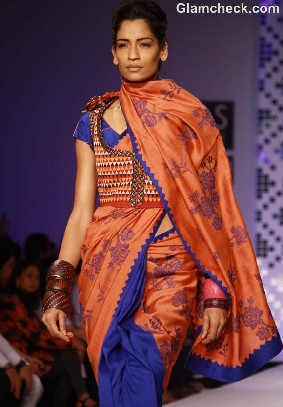 wearing jackets with printed sari