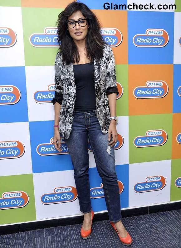Chitrangada  promotes Inkaar at Radio City and Radio Mirchi