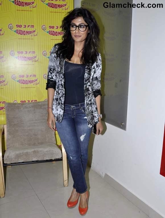 Chitrangada  singh promote Inkaar Radio City Radio Mirchi