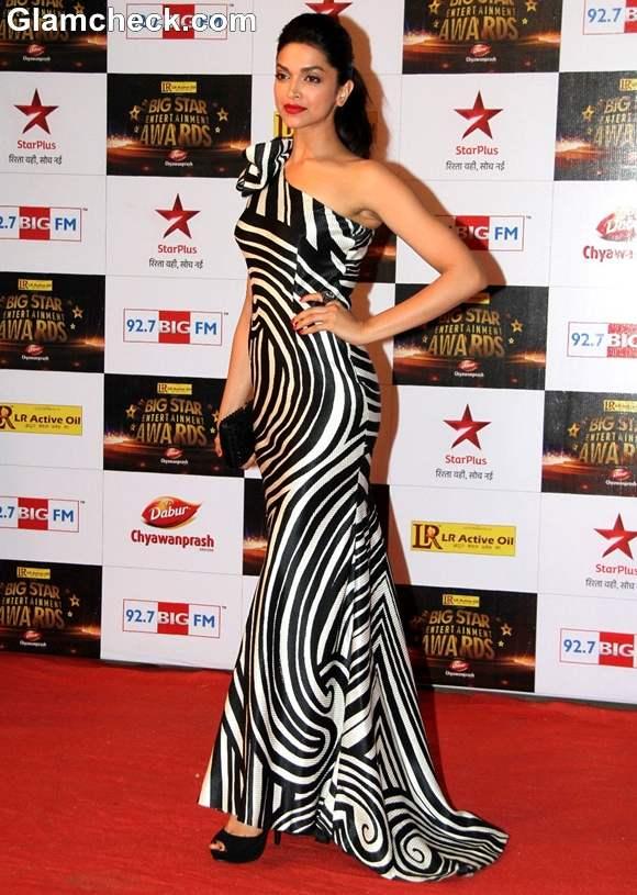 Deepika Padukone Big Star Entertainment Awards 2012