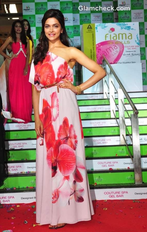 Deepika Padukone Pink Maxi at Fiama Di Wills Couture Spa Range Launch