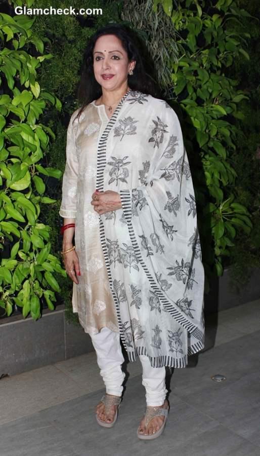 Hema Malini indian attire At Stree Shakti Press Meet and Jaya Smriti