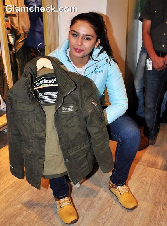 Huma Qureshi Launches Woodlands Fall Winter 2012 Collection-2