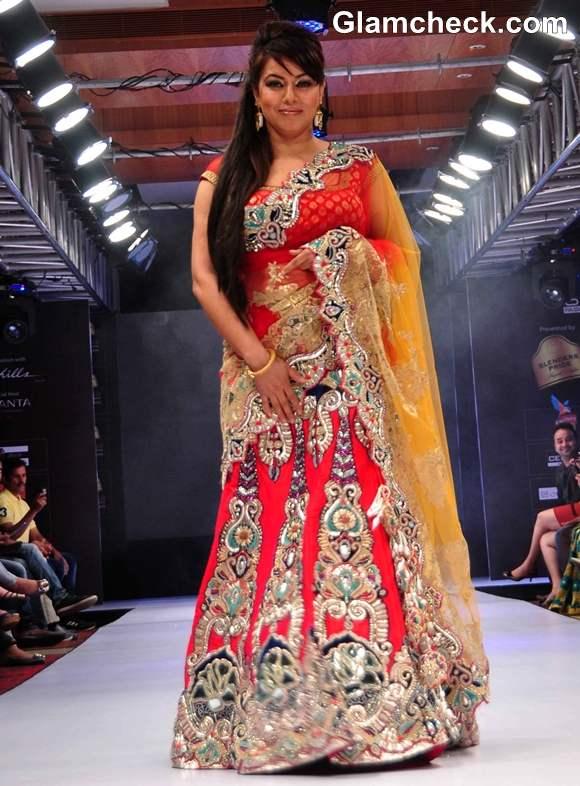 Mahima Choudhary Graced The Ramp For Designer Mohit Falod