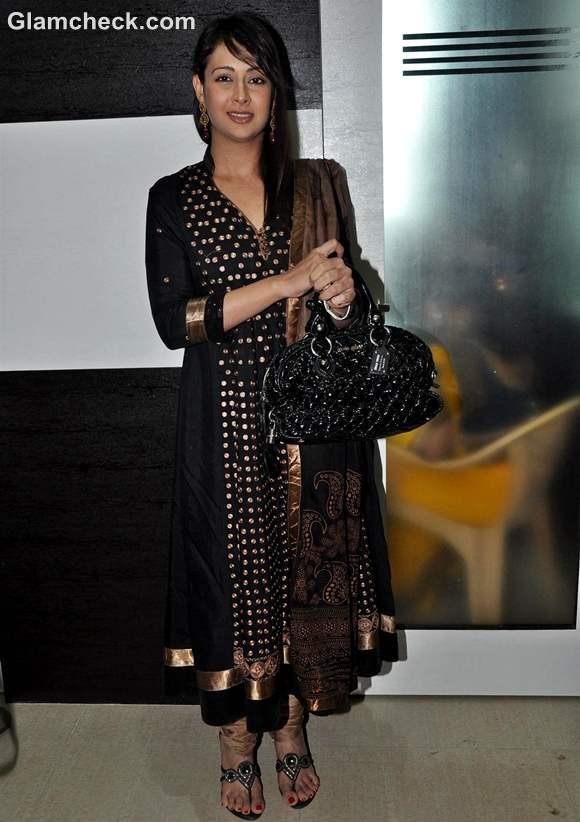Preeti Jhangiani Goes Traditional in Black Anarkali
